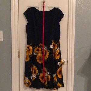 Navy Sunflower dress • 50's/60's inspired dress